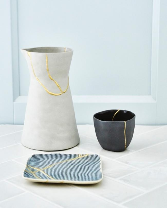 New Kintsugi - kintsugi is an old Japanese art of fixing broken pottery with gold  New kintsugi is a new way o...