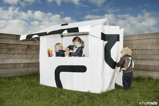 frietkot humade play house childeren fish and chips upcycled material upcycled advertising screen 3 jpg