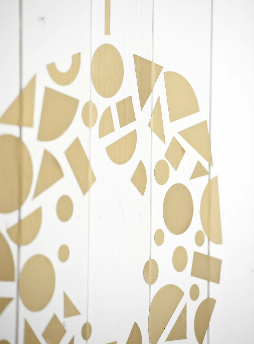 Create me / Wall - Replaceable wall stickers that give you the freedom to create. The simple shapes of Create me/wall i...